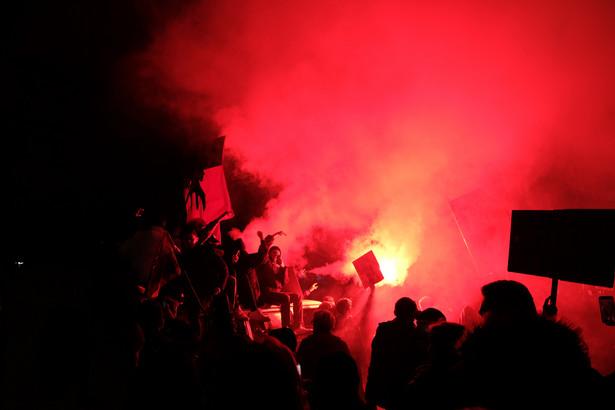 """""""Marsz na Warszawę"""": zatrzymano ponad 30 uczestników zajść w centrum Warszawy"""