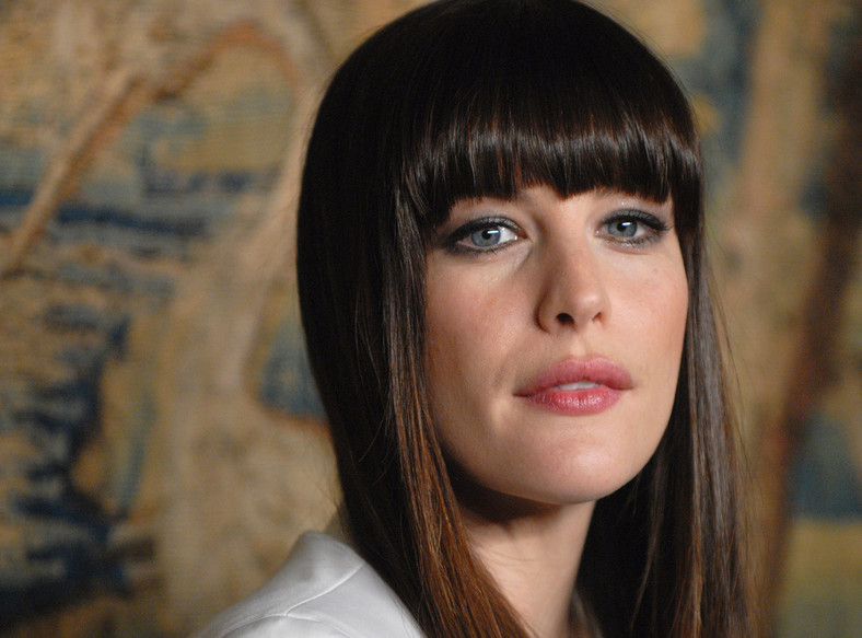Actress Liv Tyler arrives at the 7th on Sale dinner gala to benefit the fight against HIV and AIDS at the 69th Regiment Armory, Thursday, Nov. 15, 2007 in New York. (AP Photo/Peter Kramer)