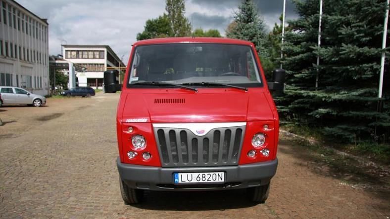 Auto, które reklamował minister Tuska pędzi na podbój ZSRR