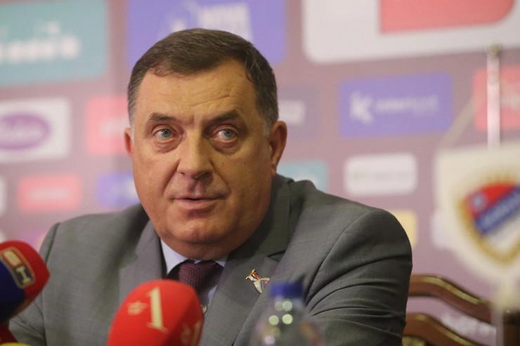 Milorad-Dodik-FK-Borac-Foto-Sinisa-Pasalic