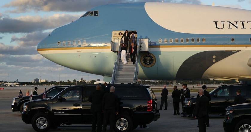 Z pokładu Air Force One Donald Trump może kierować pracami Białego Domu