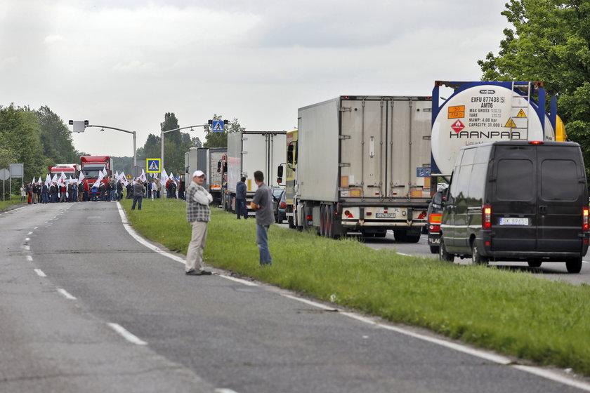 Protest i blokada drogi w Tychach