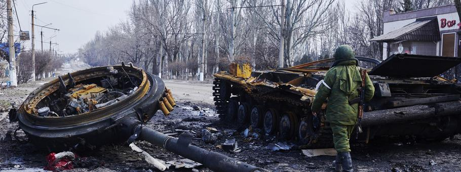 Pro-Russian Rebels Regain Control Of Uglegorsk, Ukraine