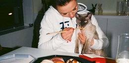Kinga Rusin karmi kota sushi?!