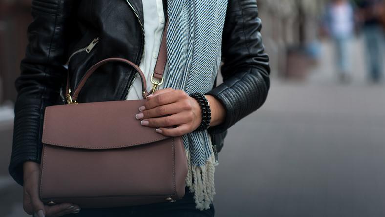 bec41db923c91 Markowe torebki w promocyjnych cenach - Moda