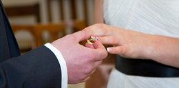 Pobrali się w tajemnicy przed rodziną. Powód szokuje