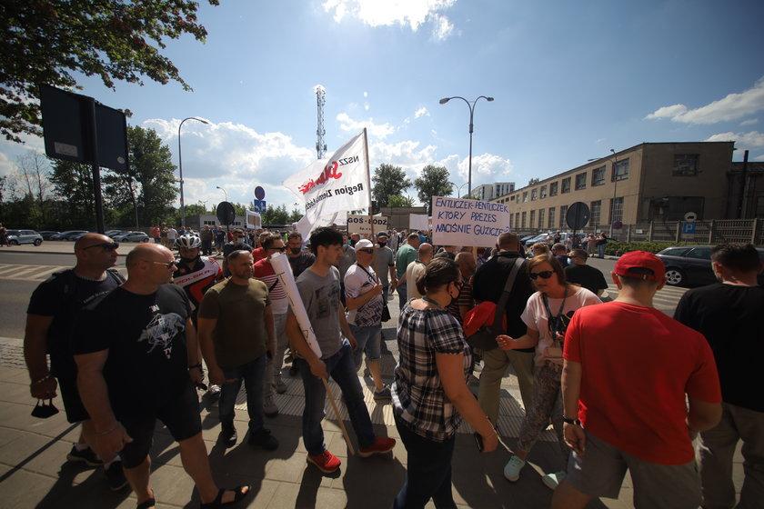 Protest przed ZWiK