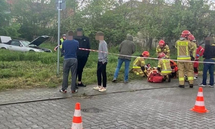 Staranował autem płot i spadł ze skarpy. 7-latka w szpitalu.