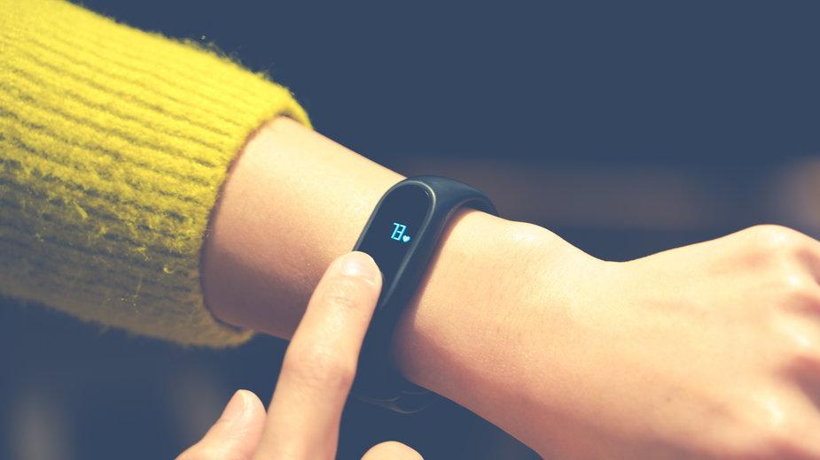 Z ręką na pulsie - smartbandy dla początkujących (do 150 zł)