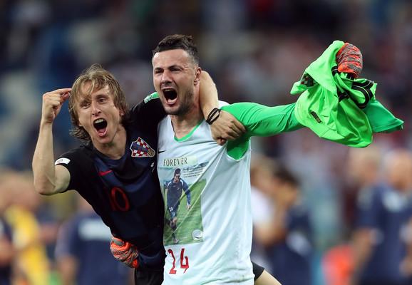 Luka Modrić i Danijel Subašić slave trijumf protiv Danske
