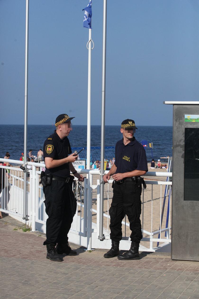 Strażnicy na molo w Gdańsku Brzeźnie