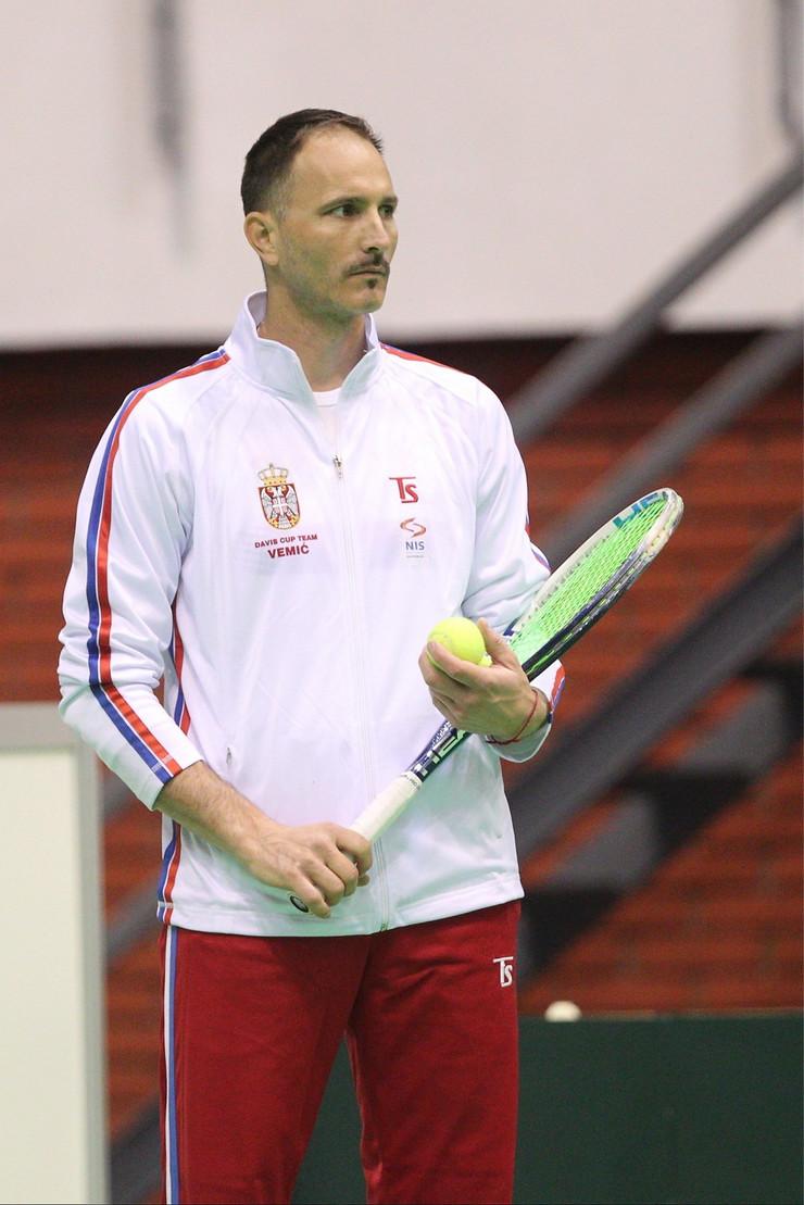 Dušan Vemić