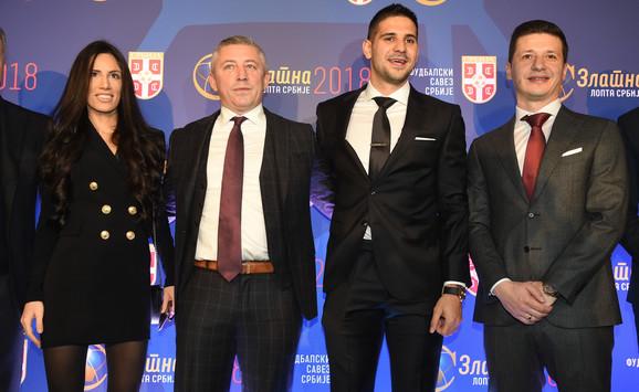Slaviša Kokeza sa Aleksandrom Mitrovićem i Markom Pantelićem na svečanosti povodom dodeljivanja Zlatne lopte FSS-a