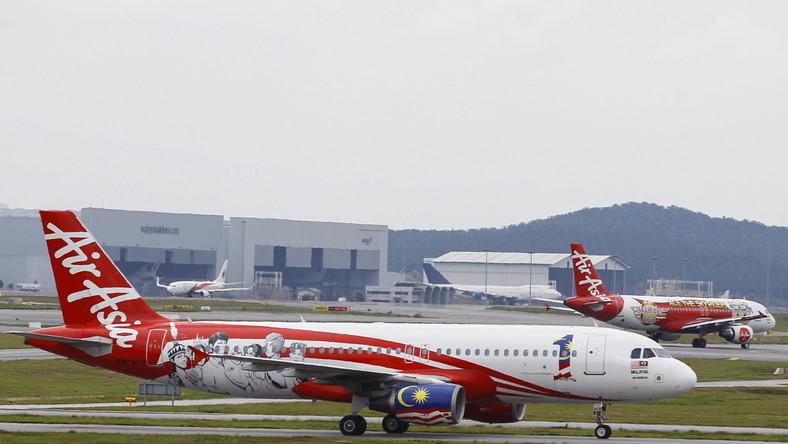 Kłopoty kolejnego samolotu lini Air Asia. Maszyna musiała zawrócić