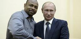 Legenda boksu chce mieszkać u Putina. Zwariował?!