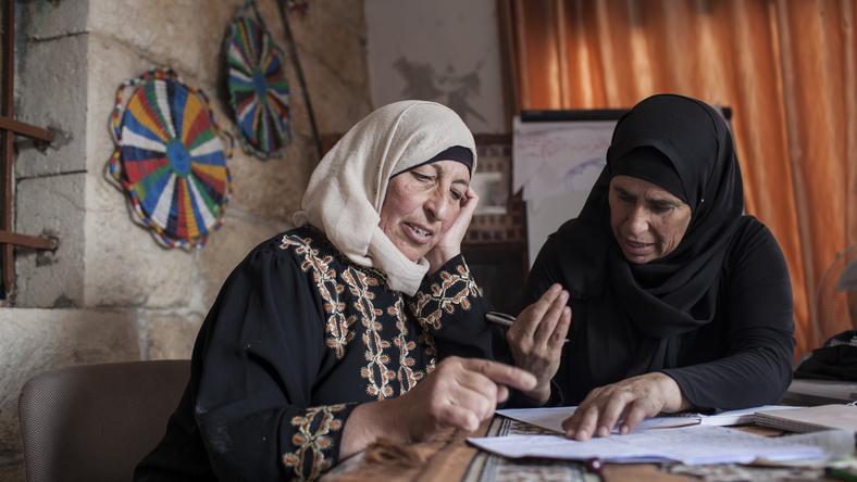 Palestynki prowadzą księgowość i robią mini biznes-plany