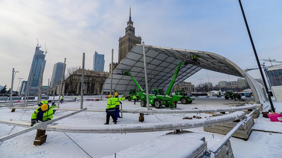 Trwa budowa studia WOŚP na placu Defilad w Warszawie