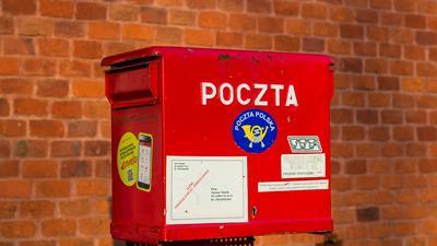 Oszuści wyłudzają dane z wykorzystaniem marki Poczty Polskiej