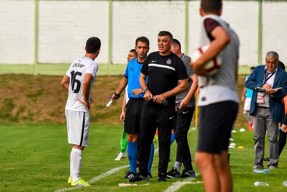 Savo Milošević na utakmici Inđija - Partizan