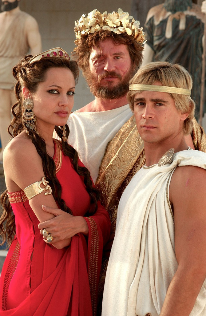 Val Kilmer, Anđelina Džoli i Kolin Farel u filmu