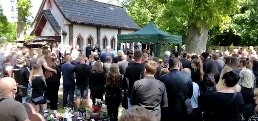 18-letnia Magda zginęła z rąk mordercy. Żegnały ją tłumy [FILM]