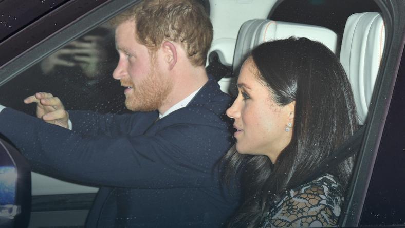 Książę Harry i Meghan Markle w drodze na świąteczny lunch