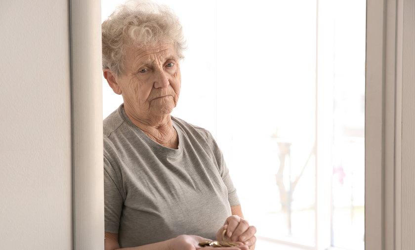 Oszczędności emerytów przy wysokiej inflacji topnieją.