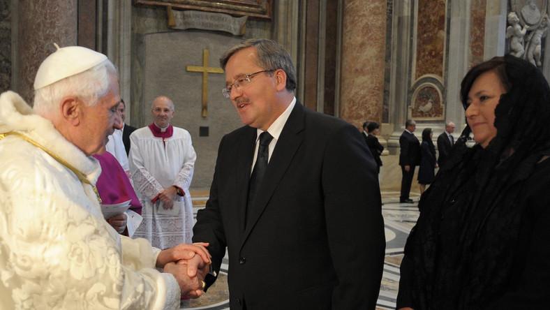 Papież Benedykt XVI i polska Pierwsza Para po uroczystościach beatyfikacyjnych