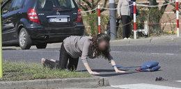 Policjanci zabezpieczają wypadek. Za chwilękoszmar się powtarza