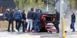 Groźny wypadek w Warszawie. Z auta została miazga