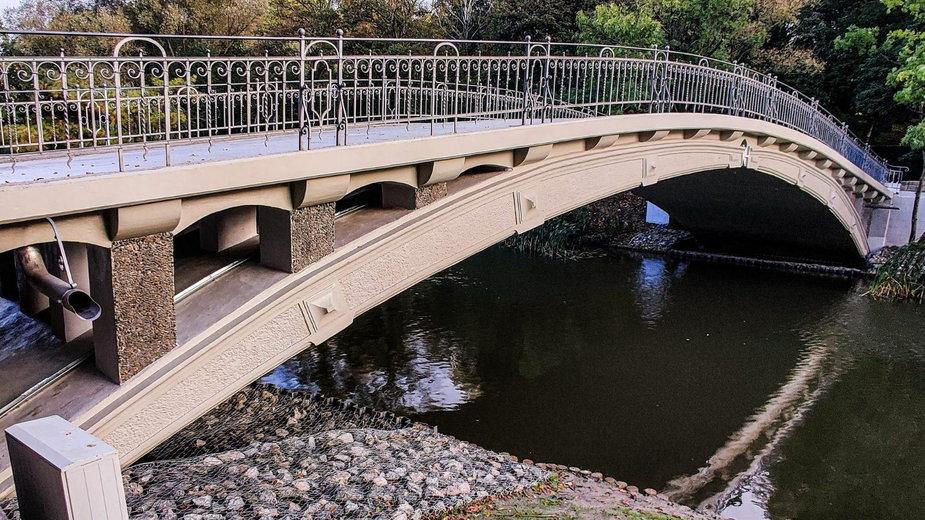 Wyremontowany, zabytkowy mostek japoński w Szczecinie