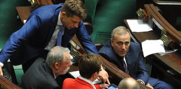 Bolączka opozycji. Nie wiedzą czy dalej protestować
