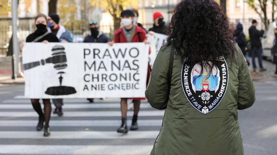 Zagraniczne media komentują sytuację w Polsce po ogłoszeniu orzeczenia TK