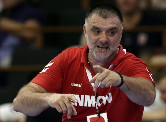 Nenad Peruničić, selektor naše rukometne reprezentacije, tokom meča Srbija - Švajcarska