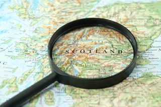 Szkocja zezwoli na wyjazdy za granicę bez kwarantanny w hotelach