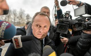 Sąd odroczył rozpoznanie wniosku o aresztowanie Leszka Czarneckiego. Miał go reprezentować Roman Giertych