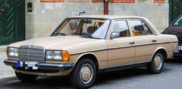 Sensacyjne odkrycie w Mercedesie z 1982 roku! Opadnie wam szczęka