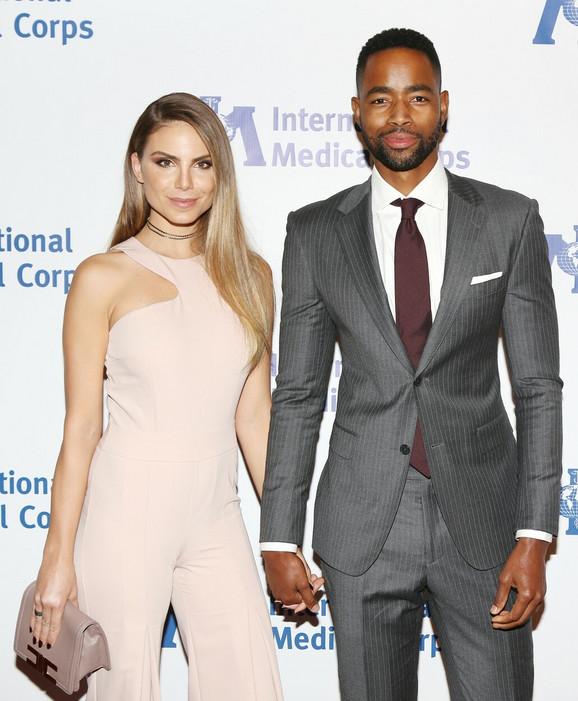 Nina i Džej na jednom događaju u Holivudu