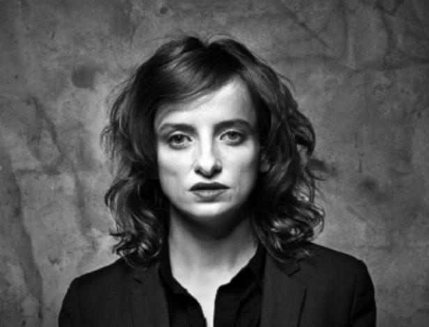 Autorką scenariusza i reżyserką spektaklu w Teatrze Studio jest Natalia Korczakowska