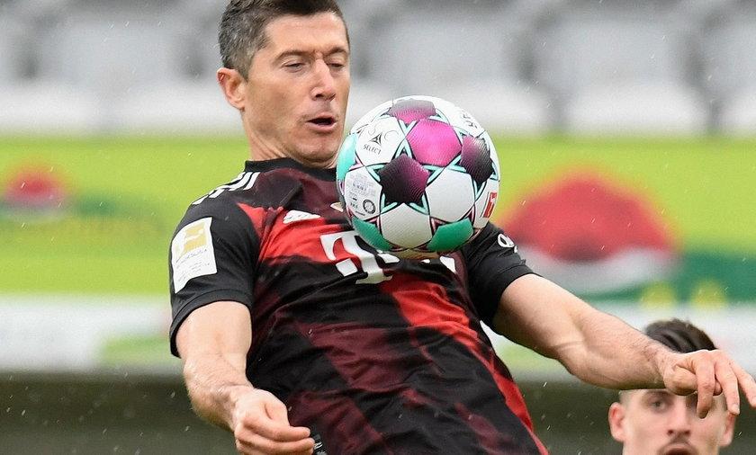 Robert Lewandowski w sobotnim spotkaniu z Freiburgiem wyrównał rekord Gerda Muellera!