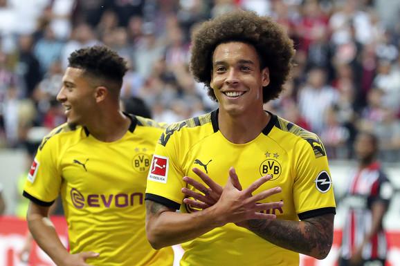 Strelac za ekipu iz Dortmunda, Aksel Vitsel