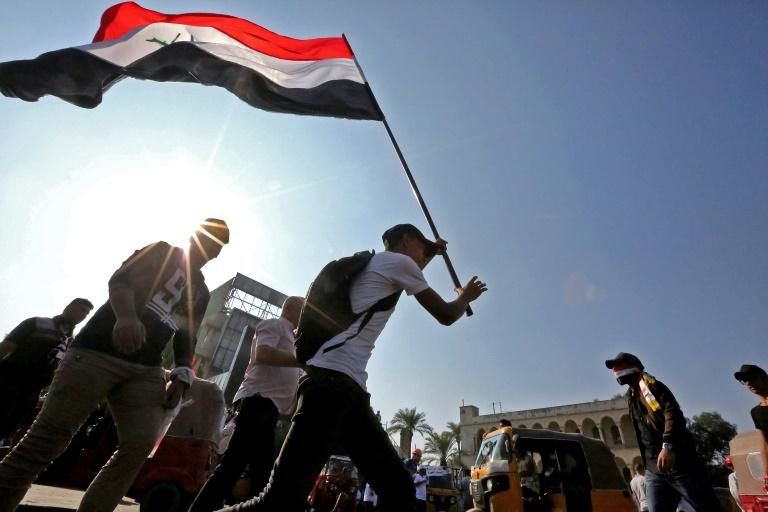 Hundreds of Iraqi Protesters March in Capital ahead of Vote