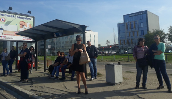 Građani uzaludno čekaju na stanicama