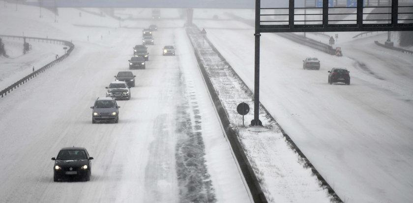 Niemcy zmagają się ze śnieżycami. Już ponad 200 wypadków