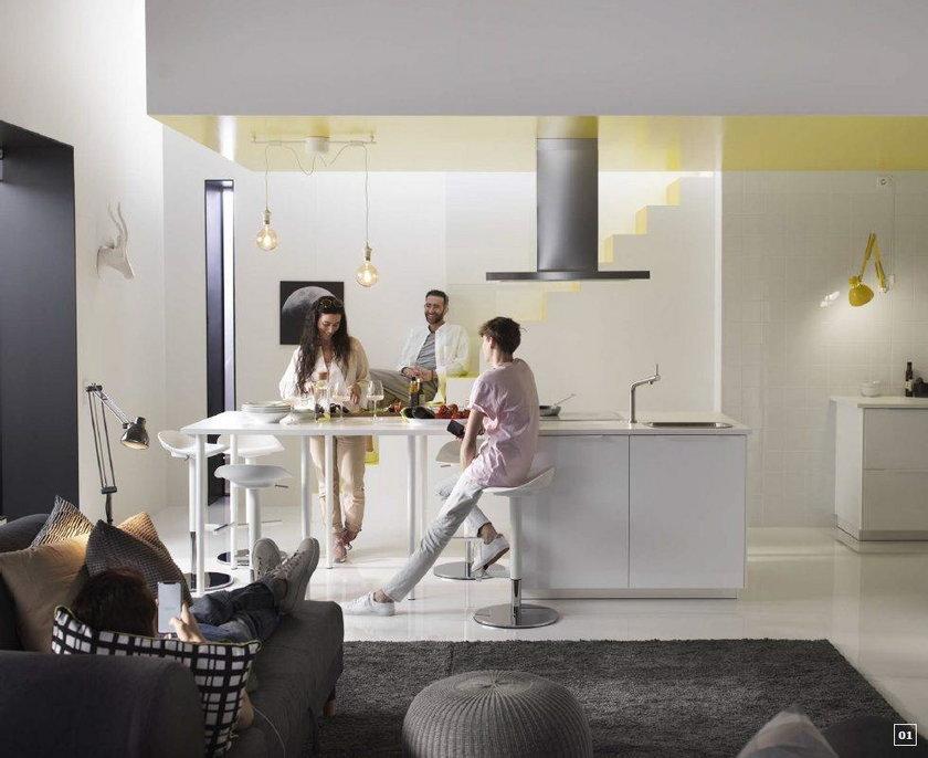Przedstawiony w tym projekcie dom odzwierciedla styl życia rodziny, która porzuciła sztywne zasady