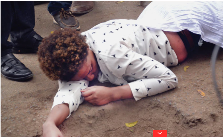 Woman collapses while begging a married man to be her boyfriend