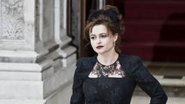 Helena Bonham Carter i Rebecca Hall w serialu Steve'a McQueena
