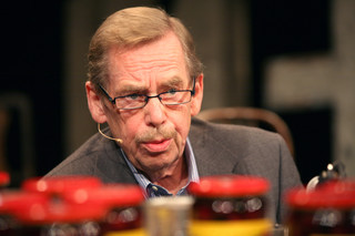 """""""Havel"""" Slavka Horaka to pierwszy fabularny film o byłym prezydencie Czechosłowacji i Czech"""