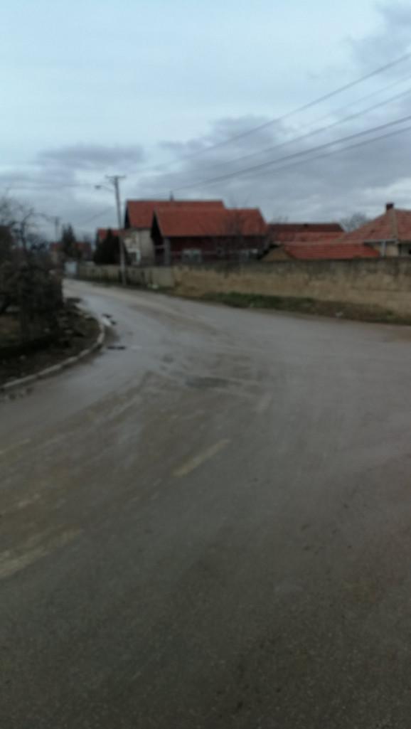 Krivina u kojoj je putnica Žaklina I. ispala iz autobusa u selu Bubanj