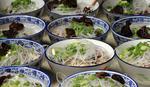 LJUBAV NEMA CENU Zaljubljeni Kinez častio ručkom 5.000 LJUDI